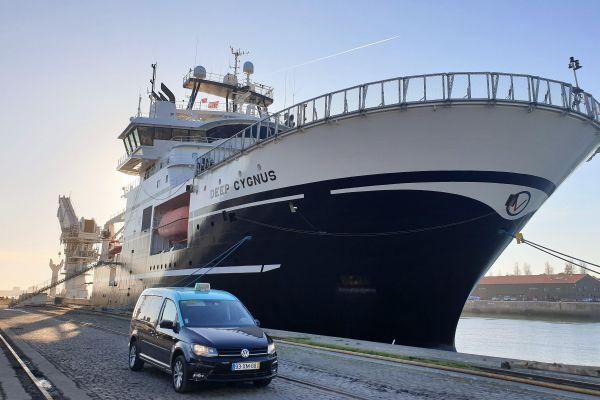 Ship Chandler; SEF; shipyards; airport; ship crew; platforms; Foreign; emigration